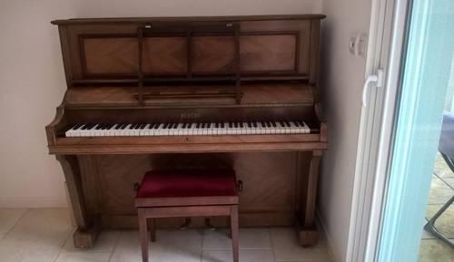 Vends piano Pleyel, palissandre