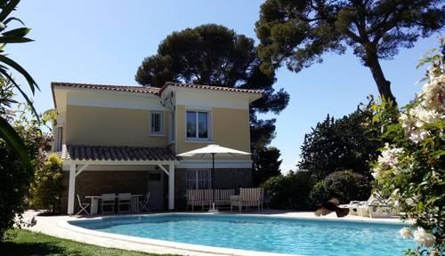 Villa à louer à Saint-Raphaël (83) à 200m de la mer 6/8couchages
