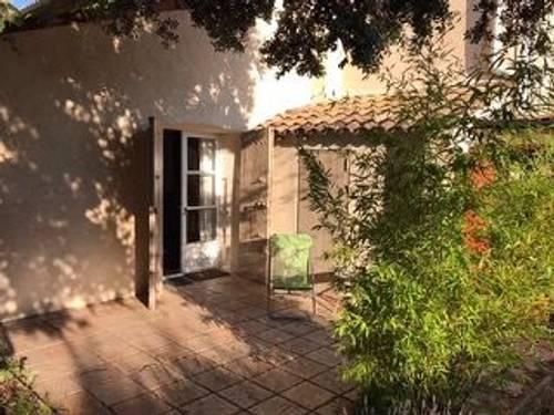 Loue appartement avec jardin dans Bastide Aix-Provence,1grand lit ++, 2couchages