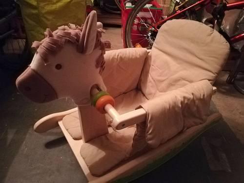 Cheval à bascule (pour bébé)