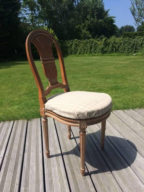 Vends lot de chaises de style