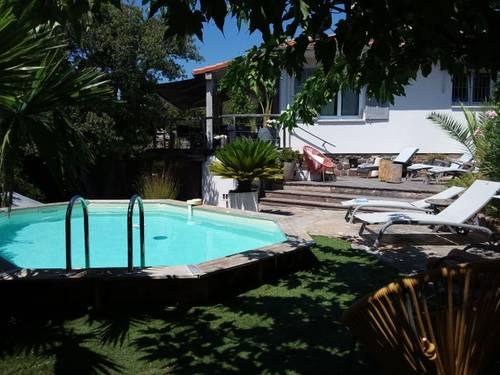 Loue Maison au calme - 7couchages - 3chambres - jardin - piscine - proche mer - St-Raphaël (83)