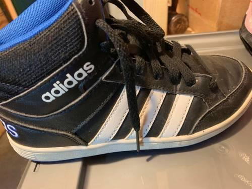 Adidas montantes 3bandes, noires, pointure 33