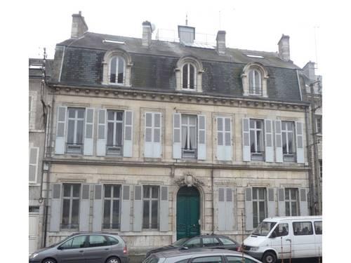 Loue spacieux 3/4-pièces 82,5m² quai sud tram Tourelles - Orléans (45)