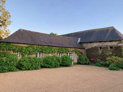 Loue gîte 2/3pers, 2chambres, 2couchages pour amoureux du calme et des jardins, haut Anjou, Bierné-les-Villanges (53)