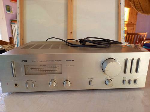 Amplificateur JVC AX1des années 90