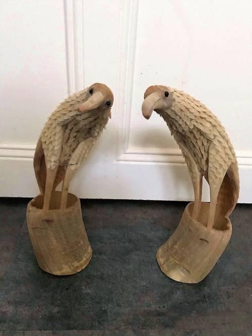 Ancien artisanat ethnique couple échassier en corne sculptée