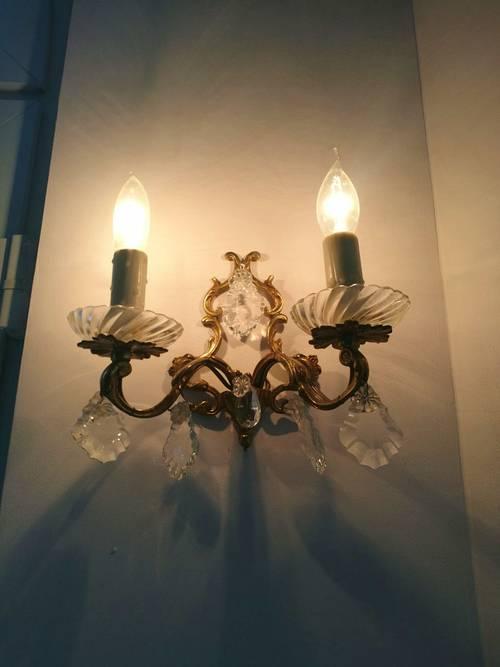 Très jolie paire d'appliques anciennes en bronze pampilles de cristal