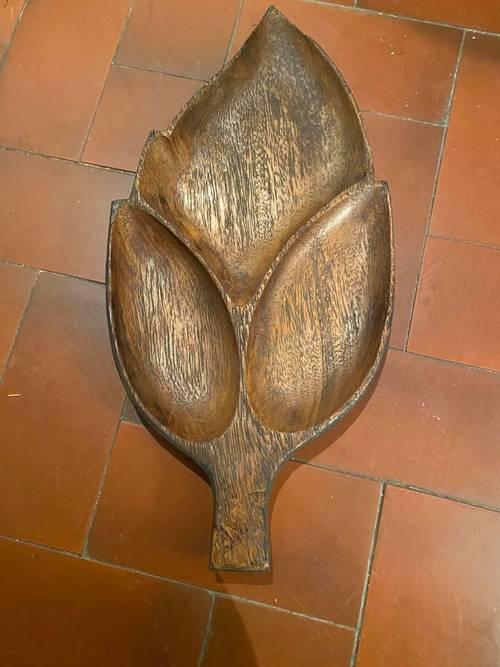 Plat en bois pour l'apéritif