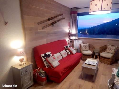 Propose Bel appartement pied pistes, refait à neuf, 2chambres, balcon, WIFI, 3étoiles
