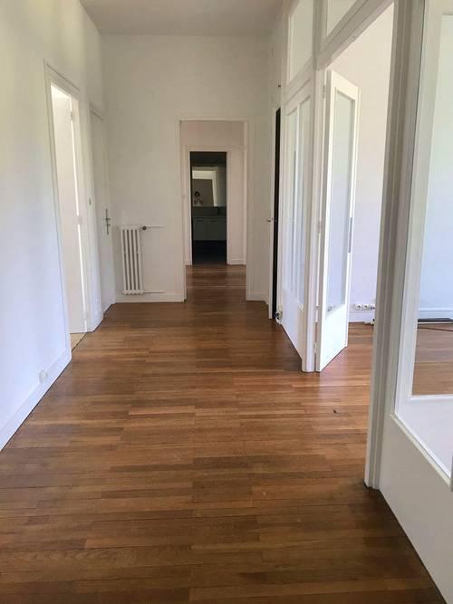 Loue appartement T5, 120m² à Clermont-Ferrand, cours Sablon (63)