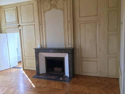 Loue appartement Clermont-Ferrand (63) - 2chambres, 90m²