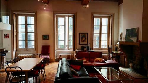 Loue appartement à Lyon 6ème: 8couchages