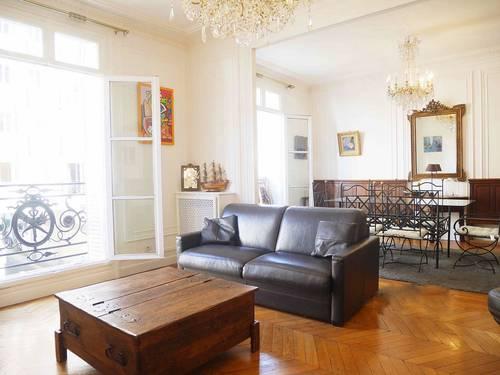 Loue appartement familial meublé 125m² / 3chambres 15ème Vaugirard