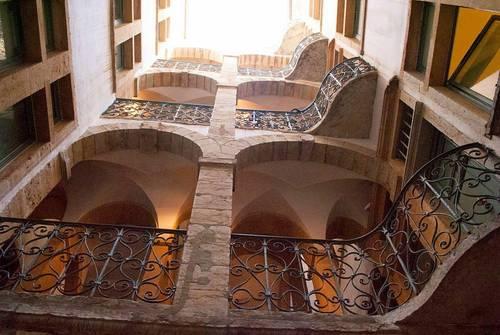 Loue bel appartement dans un immeuble classé du XVIIème siècle - 1chambre