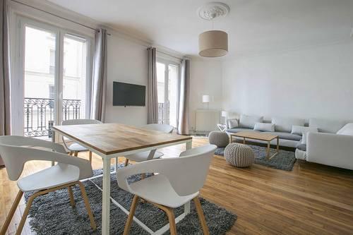 Loue appartement meuble 65m² - Caulaincourt - 18ème