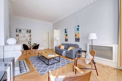 Loue appartement meublé 2chambres, 4cchages bureau Bordeaux plein centre (33)