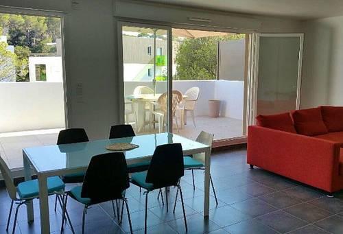 Loue Appartement spacieux à St Raphaël 5couchages avec piscine