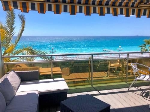 Loue appartements 4couchages Suite face la mer avec Piscines sur le toit à Nice