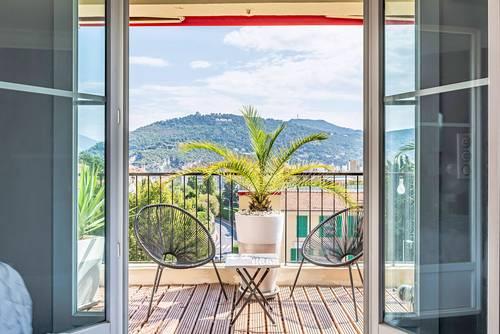 Vends appartement avec terrasse en dernier étage - Nice Cimiez (06) - 2chambres, 71m²