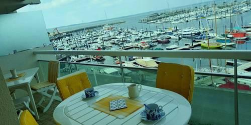 Loue Arcachon (33) au calme T2- Grand balcon vue mer, parking
