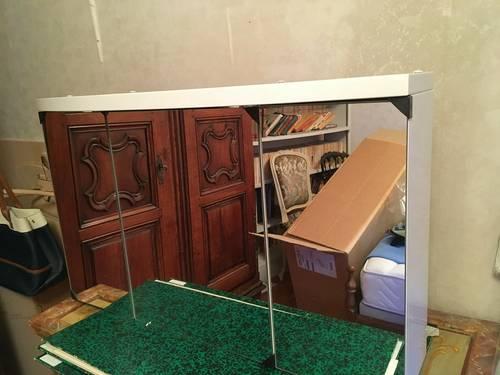 Armoire de toilette neuve