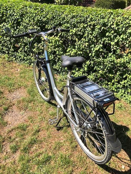 Vélo Assistance Electrique (Disponible en Charente 16) etat neuf