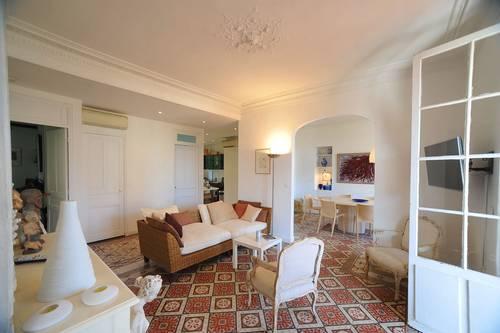 Loue Bandol appartement de charme, Renecros, 90m² avec terrasse 30m² - 2chambres 6couchages