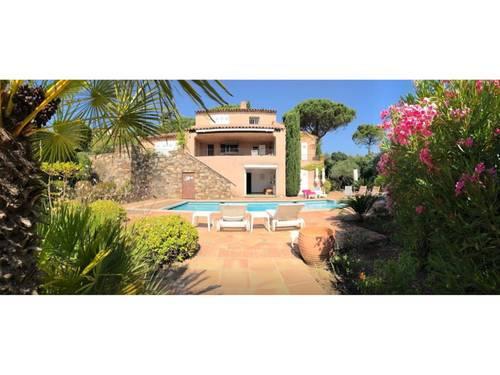 Loue à Ste Maxime grande villa vue mer avec piscine 8couchages