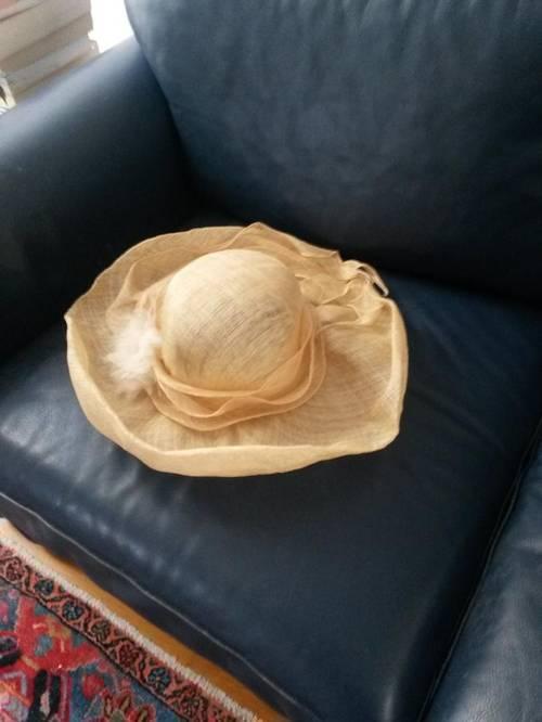 Vends chapeaux de mariage