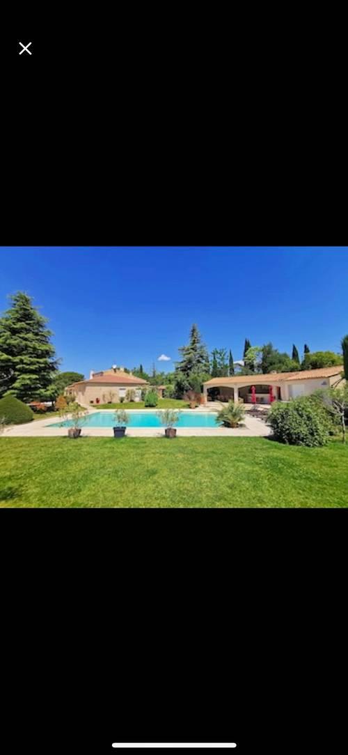 Loue belle propriété - 5chambres, 12couchages à proximité d'Aix-en-Provence (13)