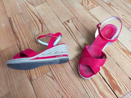 Belles Espadrilles / Sandales Uspa compensées en cuir rouge & corde 37