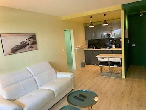 Loue T242m² Biarritz. Plein centre avec Pking
