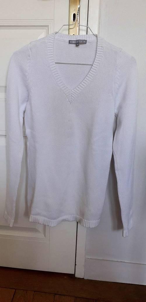 Pull blanc coton T36
