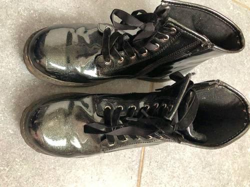 Boots noires vernies 37