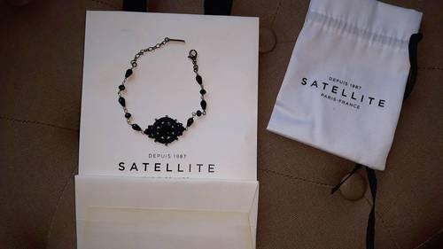 Bracelet perles noires Satellite