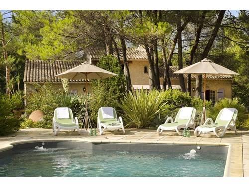 Loue maison de charme dans le Luberon avec piscine chauffée et spa 8couchages