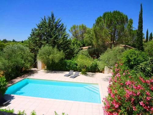 Au calme à Uzès, appartement de 70m² clim., 5couch., piscine 10X5, grand jardin