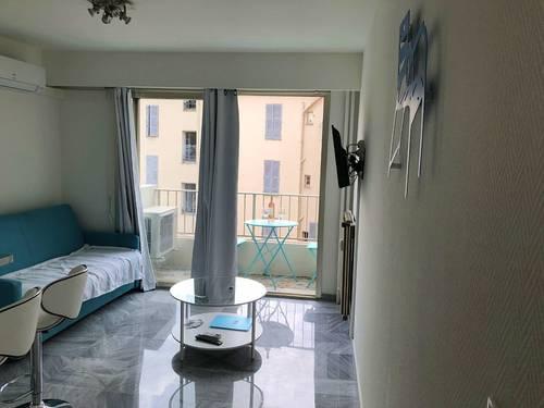 Nice Centre ville/Negresco: studio rénové, clim, 20m² + balcon