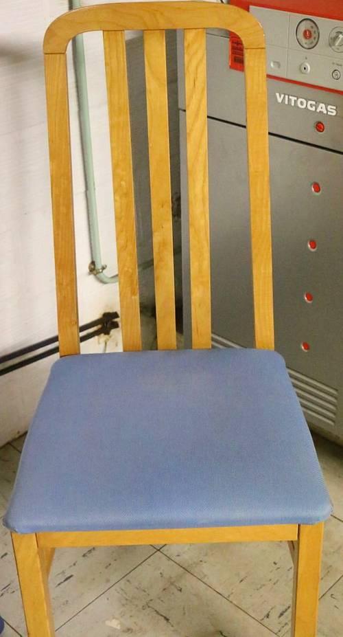 Chaise moderne en hêtre avec assise couverte de tissu