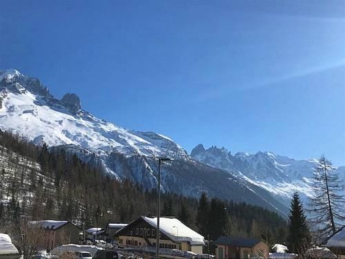Loue chalet à Chamonix, 8couchages, 3chambres. Vue imprenable sur le Mont-Blanc