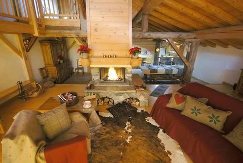 Très beau chalet 350m² 22couchages Vue, sauna, parking Montvalezan 73