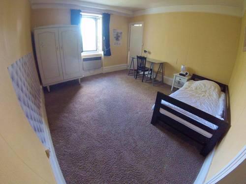 Loue chambre dans colocation indépendante chez l'habitant proche CHU/BICHON - Angers (49)