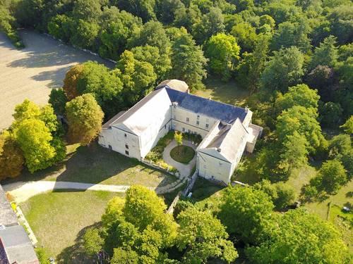 Loue en pleine nature chambres d'hôtes dans ancien prieuré sud Saumur
