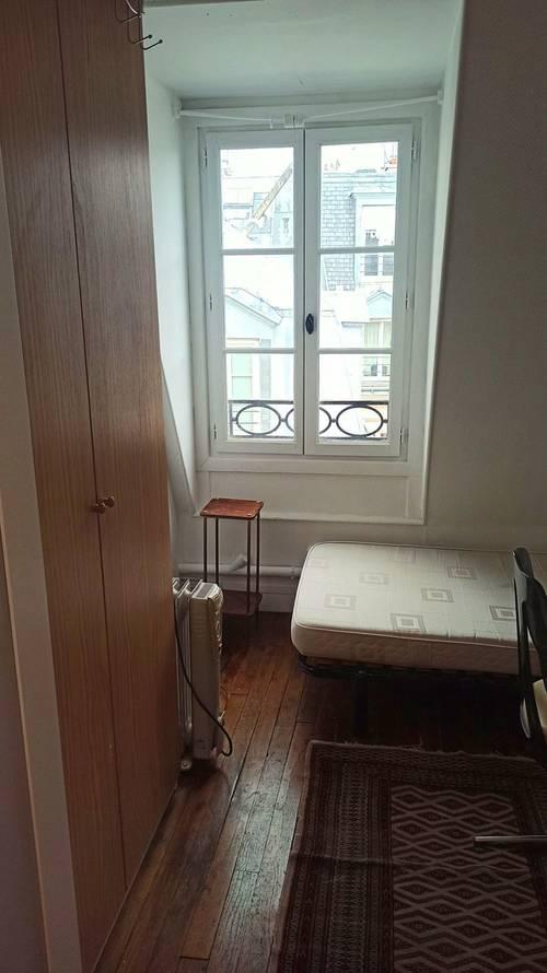 Chambre à louer claire Paris 7ème 10m²