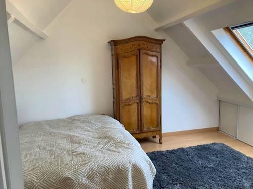 Loue chambre meublée SDD à l'étage et palier - 1chambre, 40m², Chatou (78)