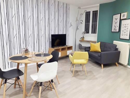 Proposechambre meublée dans jolie colocation de 3jeunes étudiants / actifs à Pau (64)