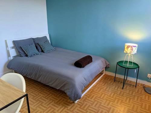 Loue une chambre colorée et calme dans une colocation récente et sympathique Créteil