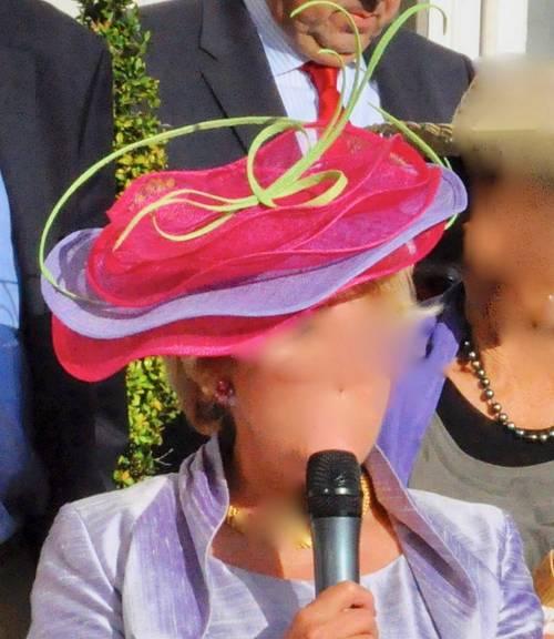 Chapeau de mariage rose, vert et parme