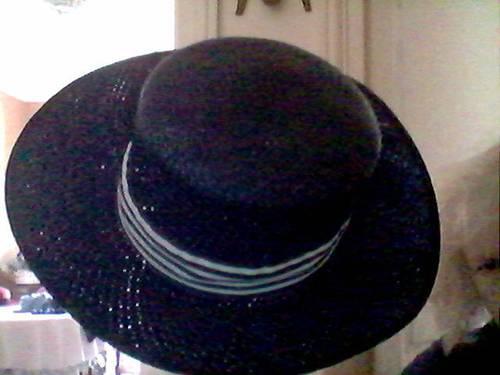 Chapeau de paille bleu marine neuf